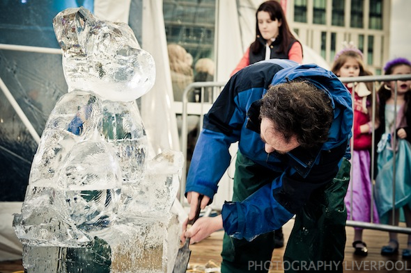 Liverpool One Ice Festival ice carving chavasse park photography liverpool
